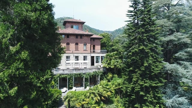 Stunning Villa on top of the magical village of Velate