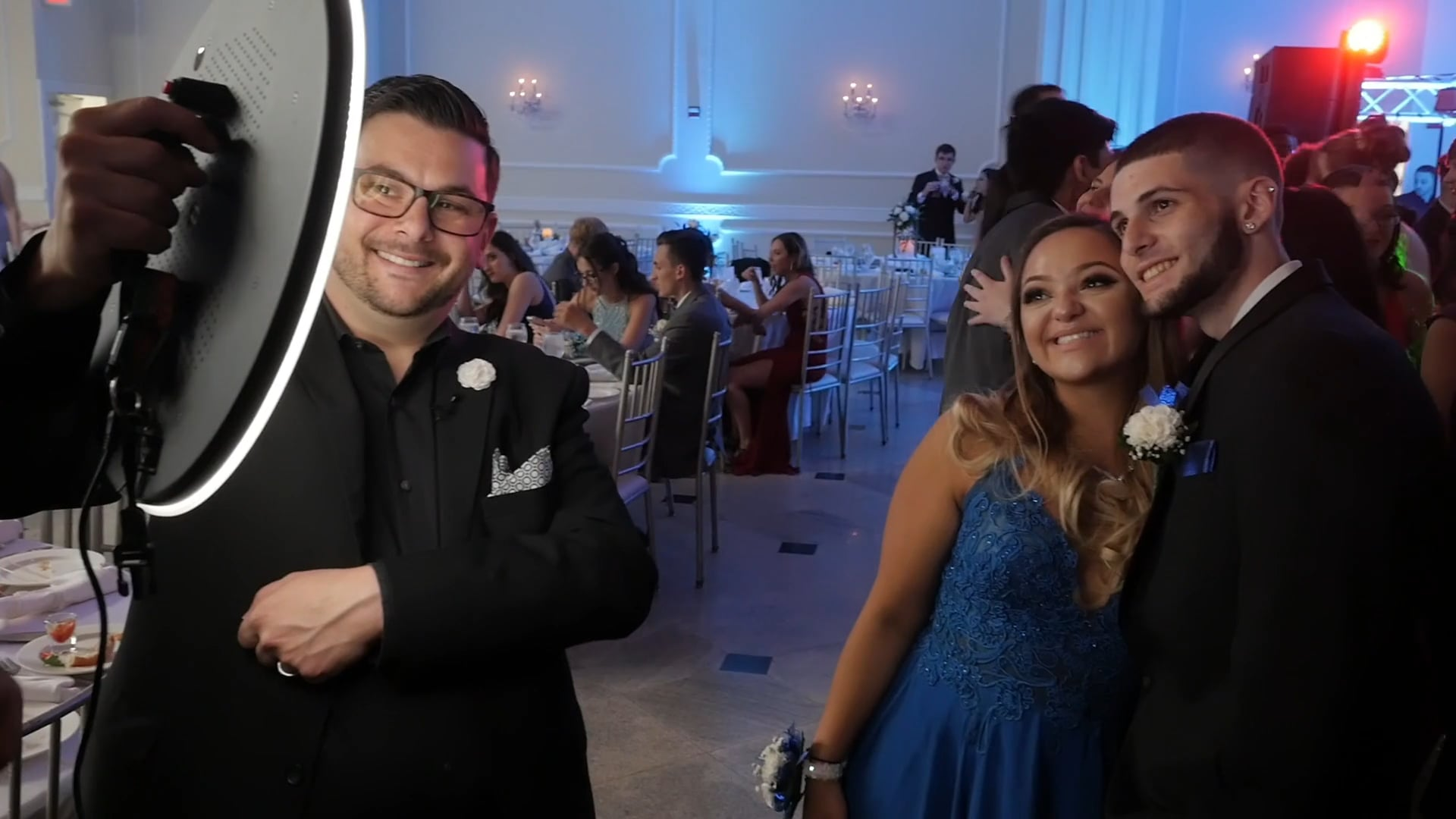Dont Miss a Beat Events: Ring Roamer Photo Booth