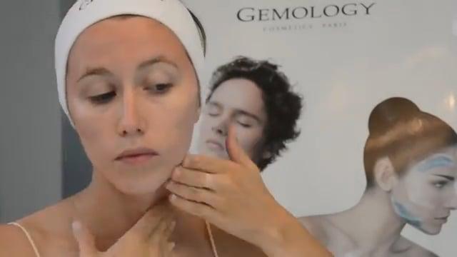 Atstatantis smitsonito ir hialurono serumas veidui