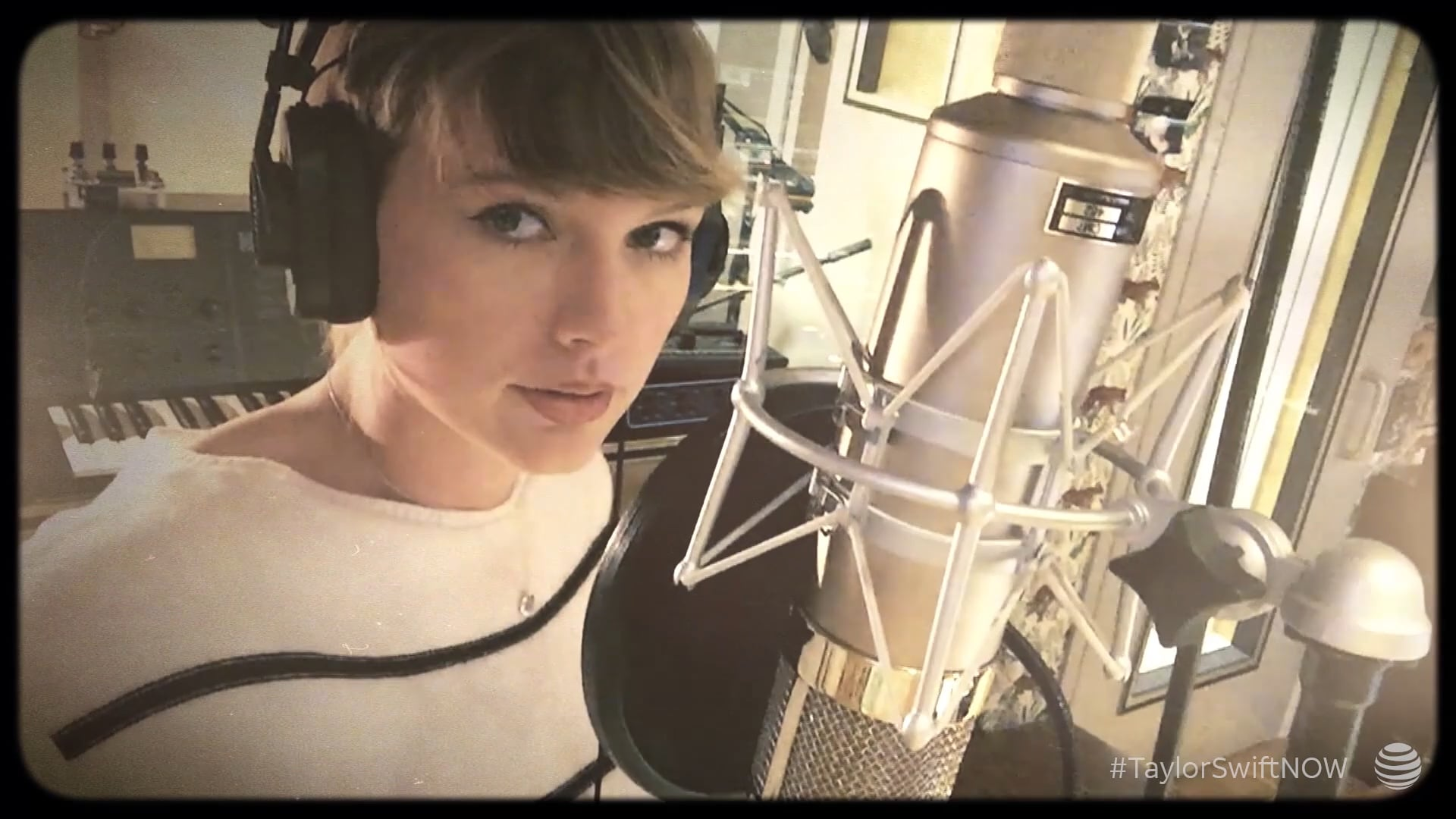 Taylor Swift Now    The Making of a Song