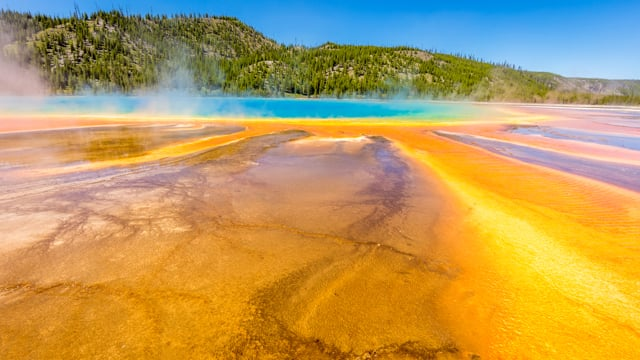 Yellowstone Wonders 1 - 4K Nature Documentary Film