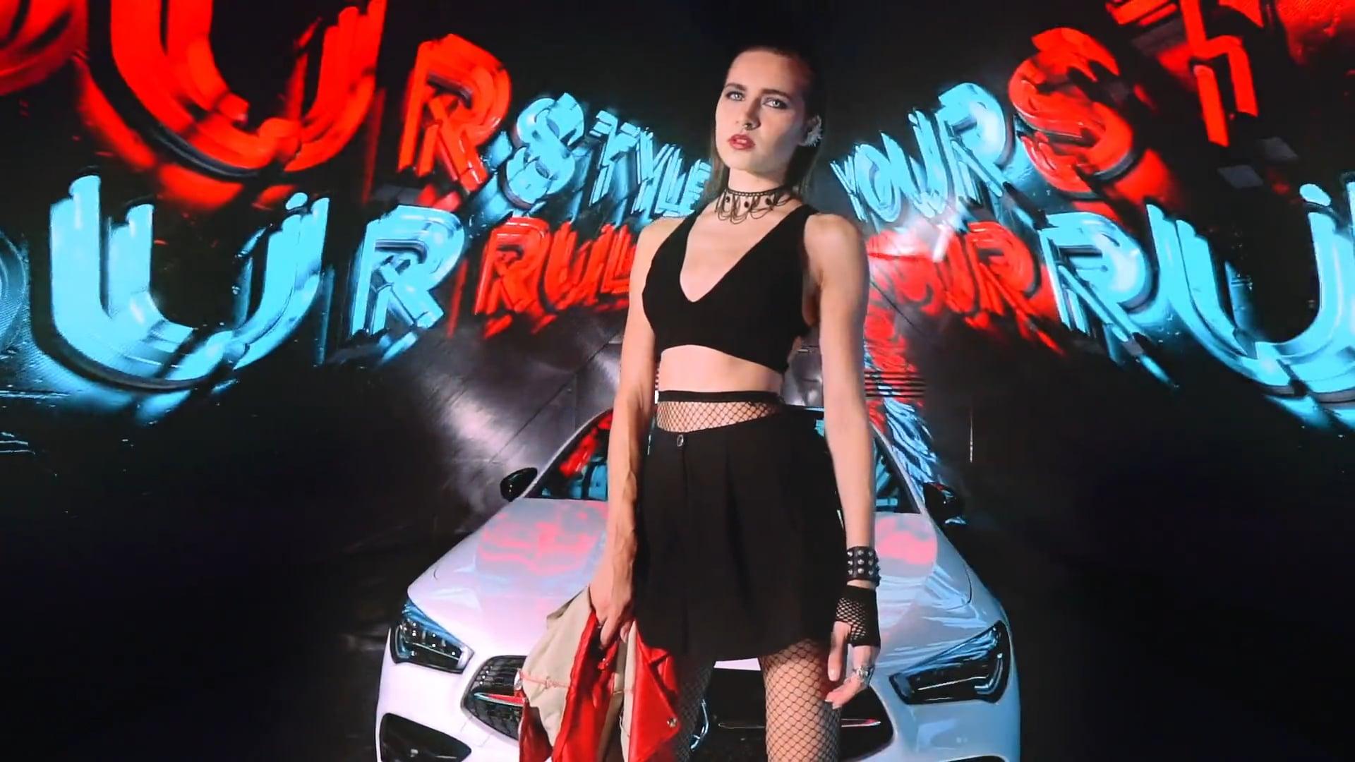 Mercedes Benz at Fashion Forward Dubai   1st Nov '19