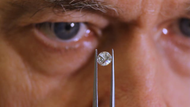 The man who can tell diamonds apart (BBC Documentary)