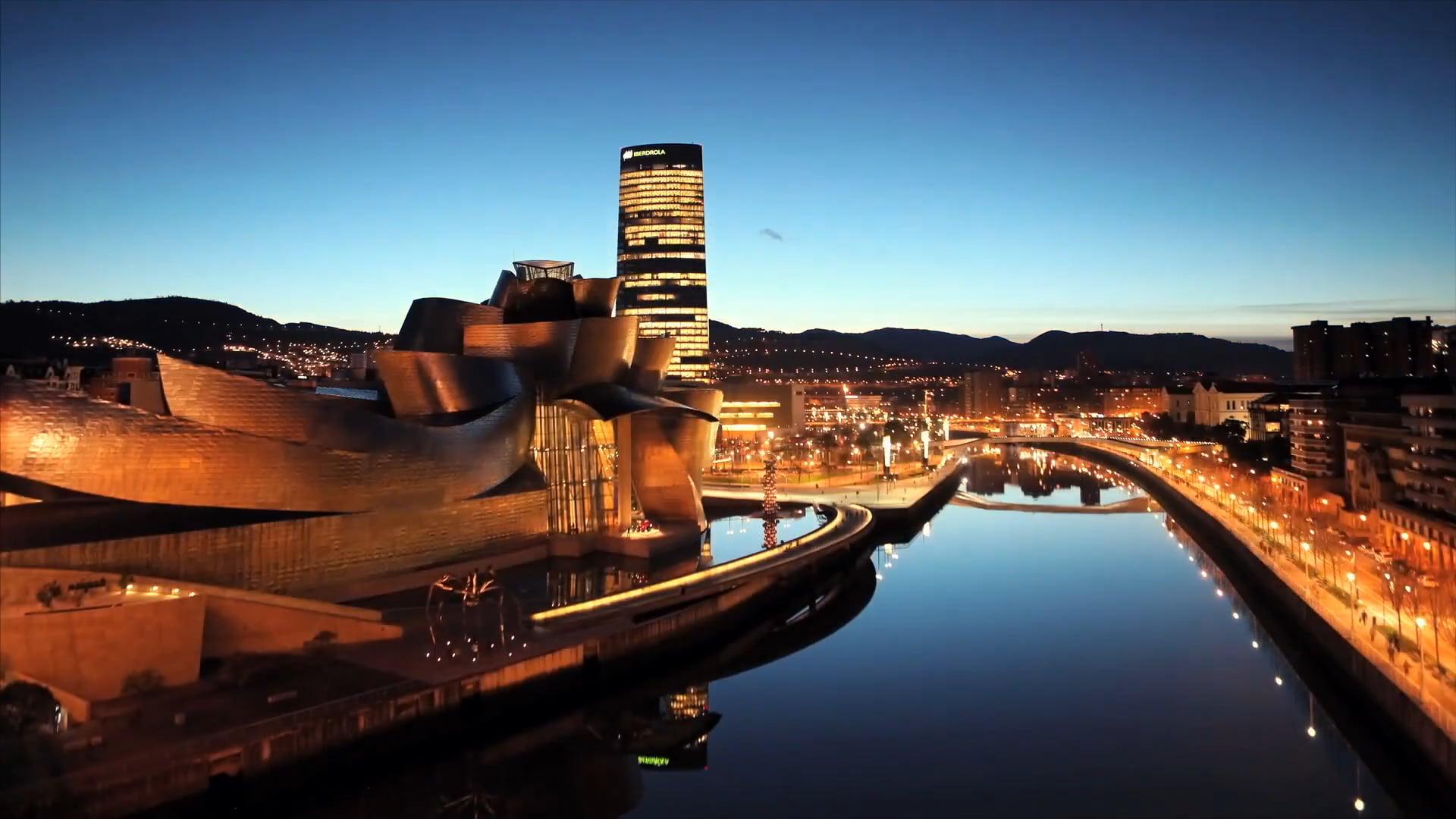 Cena de Gala en el Museo Guggenheim Bilbao. Table Mapping by Lumentium | Espacio Bureau