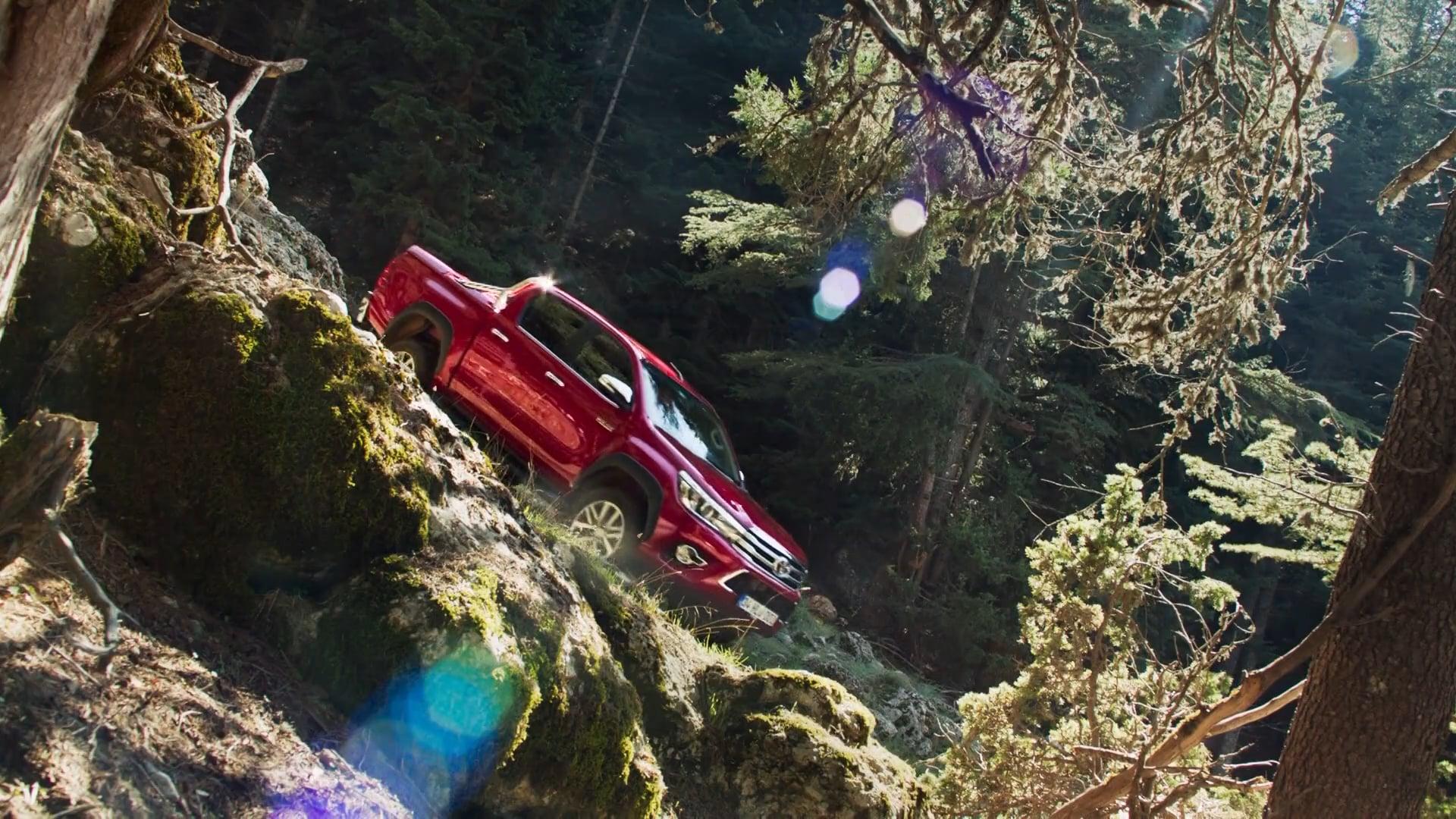 Bora Egemen-Toyota Hilux Director's Cut