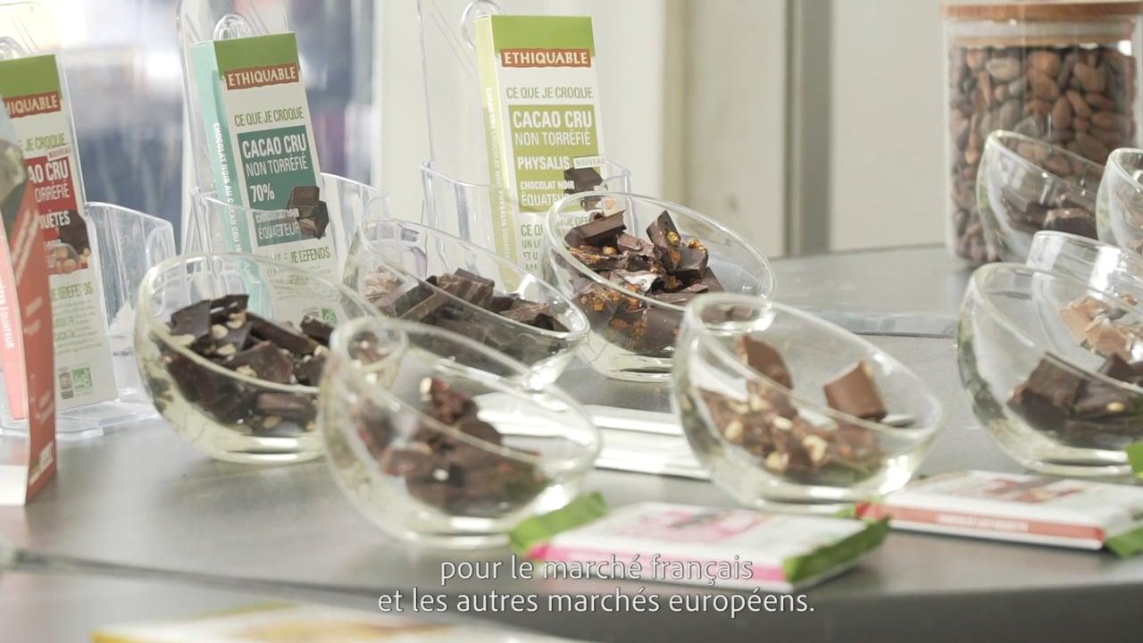 Ethiquable // Pose du 1er carré de la chocolaterie à Fleurance