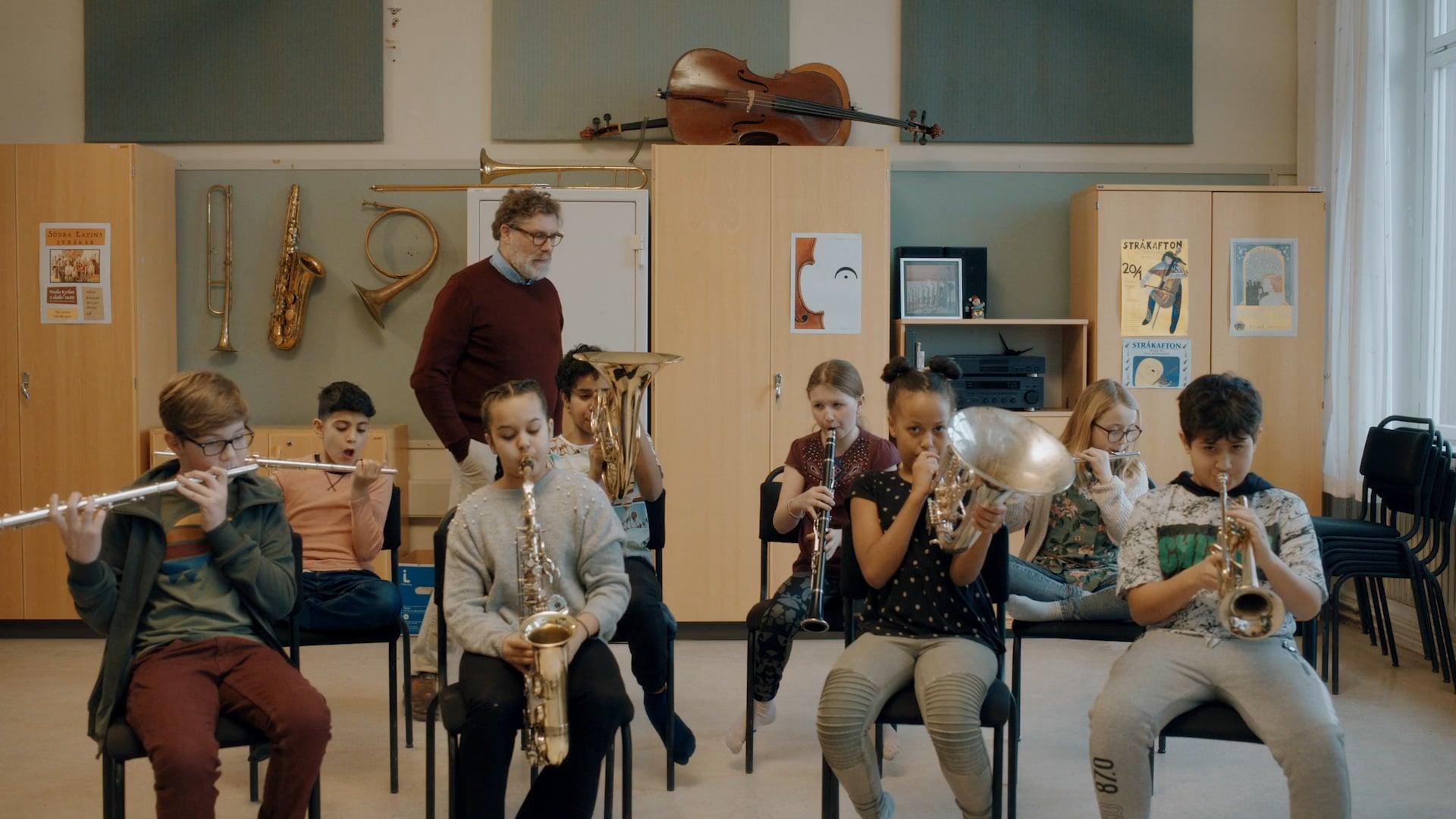 SACARIAS KIUSALAAS | KRONANS APOTEK - Music Lesson