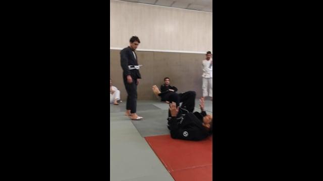 Bases 6) Séquence de self-defense