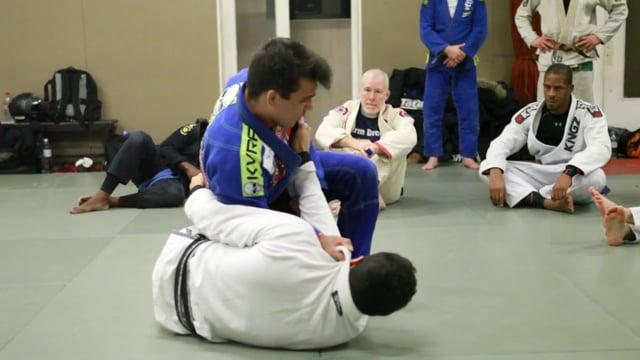 knee slide to monoplata