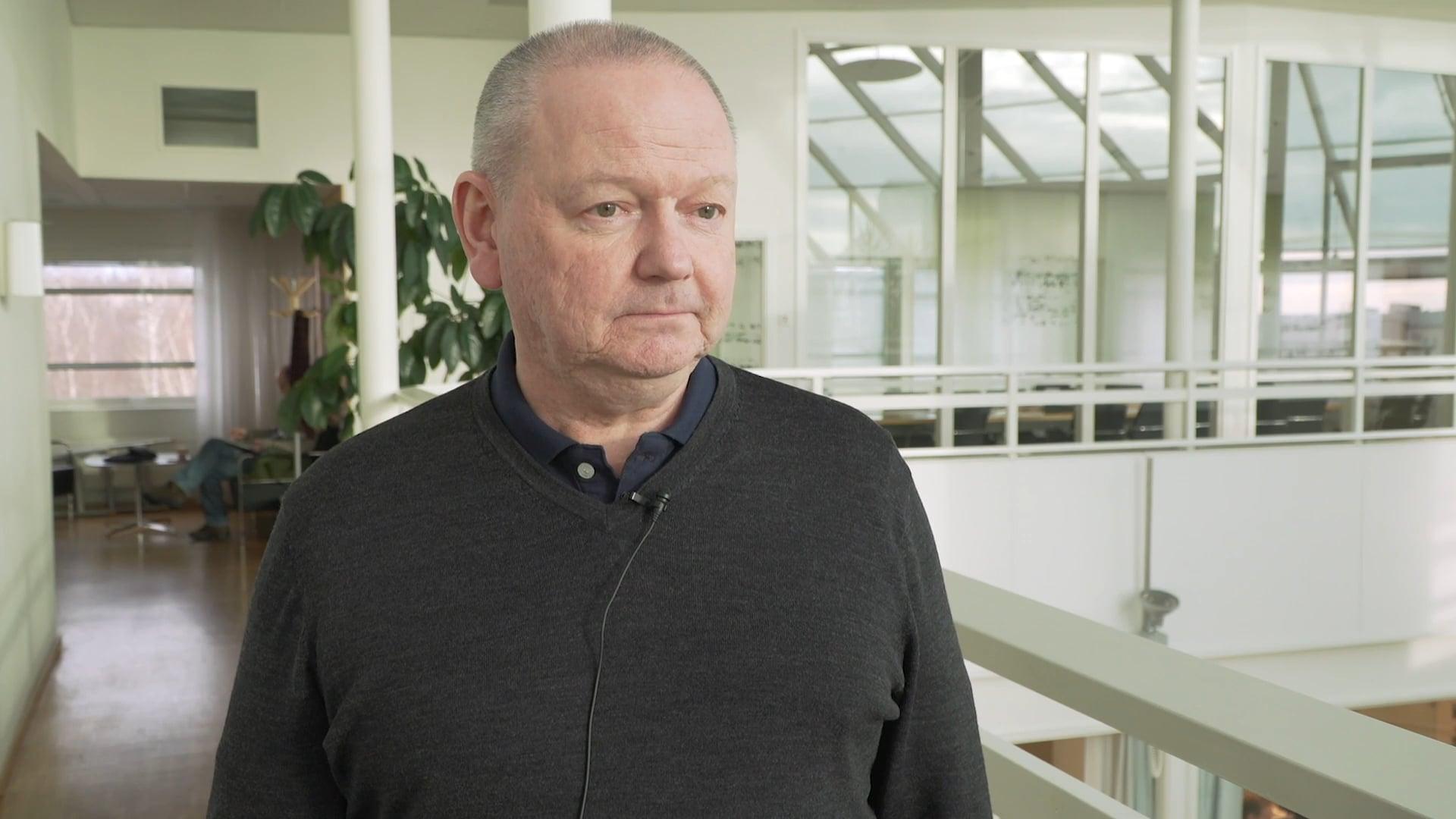 Film: Hans Adolfsson om distansbeslutet