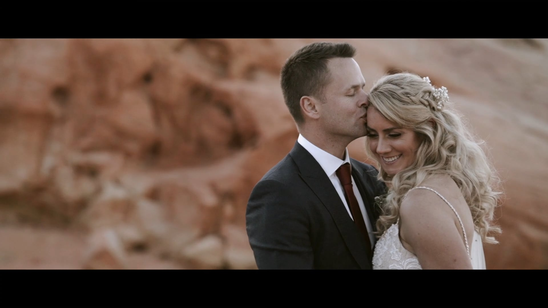 Caroline & Matt || Valley Of Fire Intimate Wedding