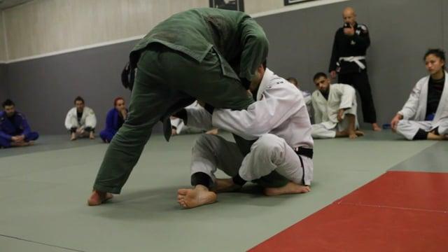Sit-up 11) Renversement contre passage en longstep