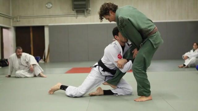 Sit-up 7) Renversement quand l'adversaire se tient très droit