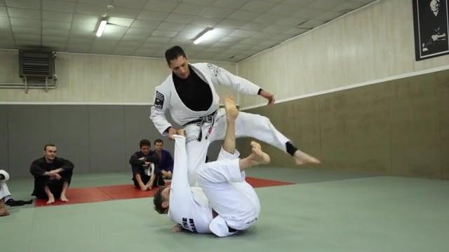 XGuard 9) Passage en équilibre sur une jambe