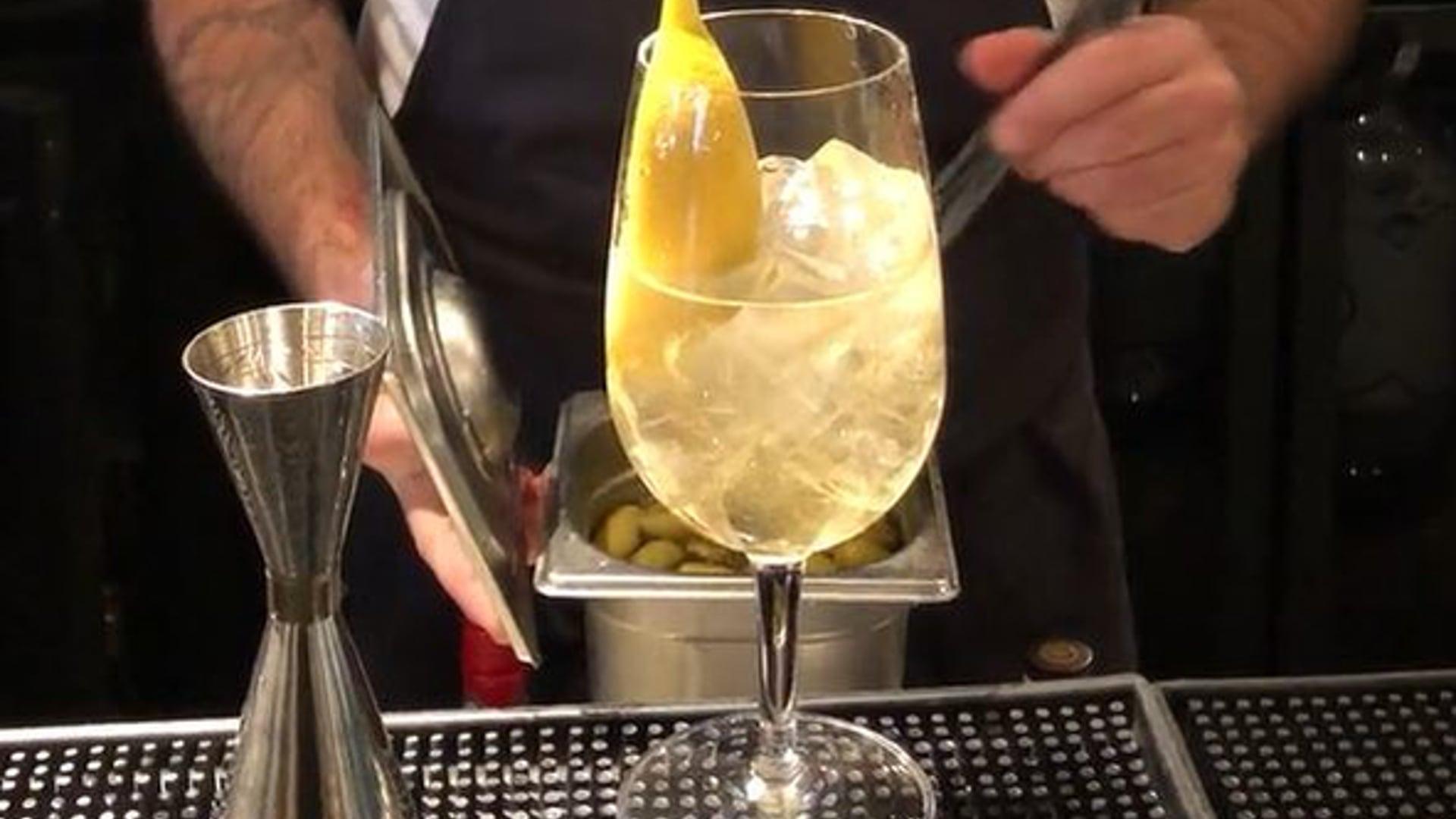 Delicious Aperol spritz alternative at Manteca