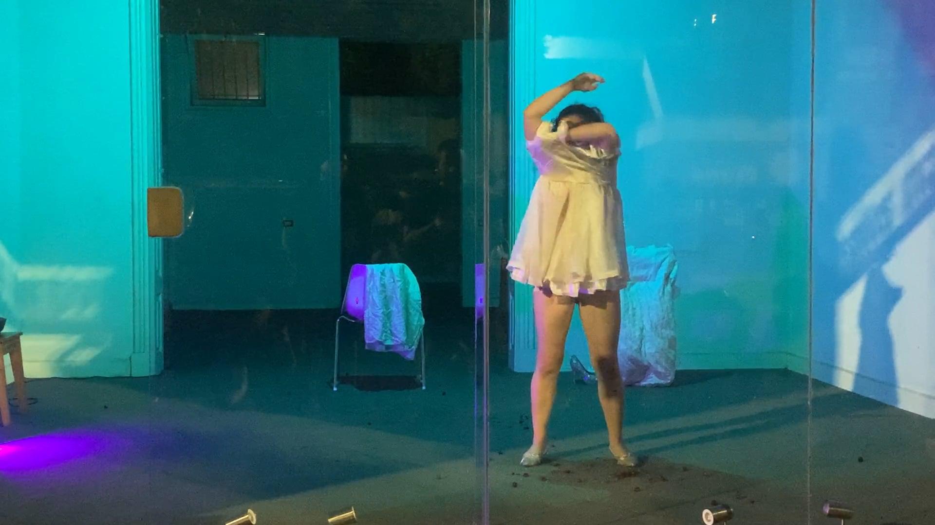 Leila Loforte - Suelta su Piel Cuatro o Más Veces