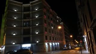 un-tricolore-di-luce-illumina-palazzo-muccillo
