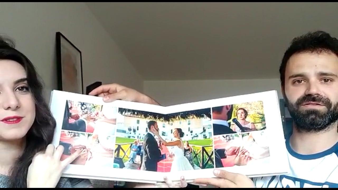 Esther y Alberto al recibir el álbum en su casa de Frankfurt!