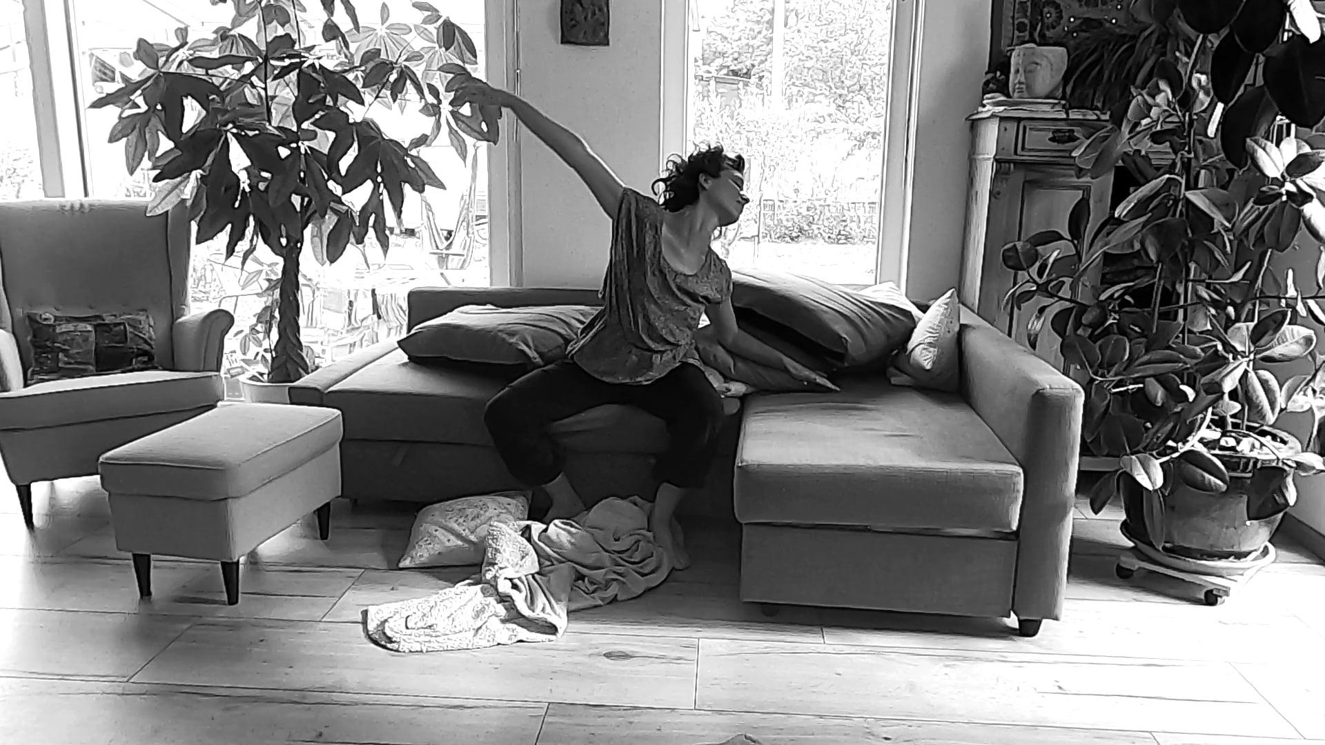 Flippy Floppy Sofa Dance