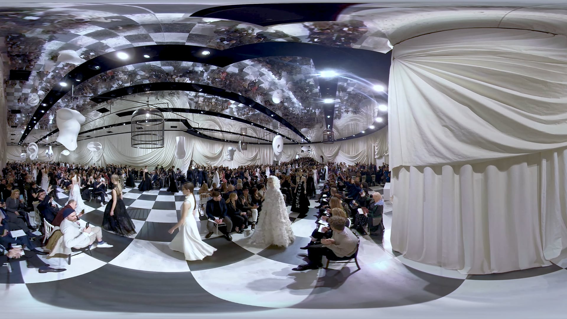 360 VR | Dior Show Couture SS18