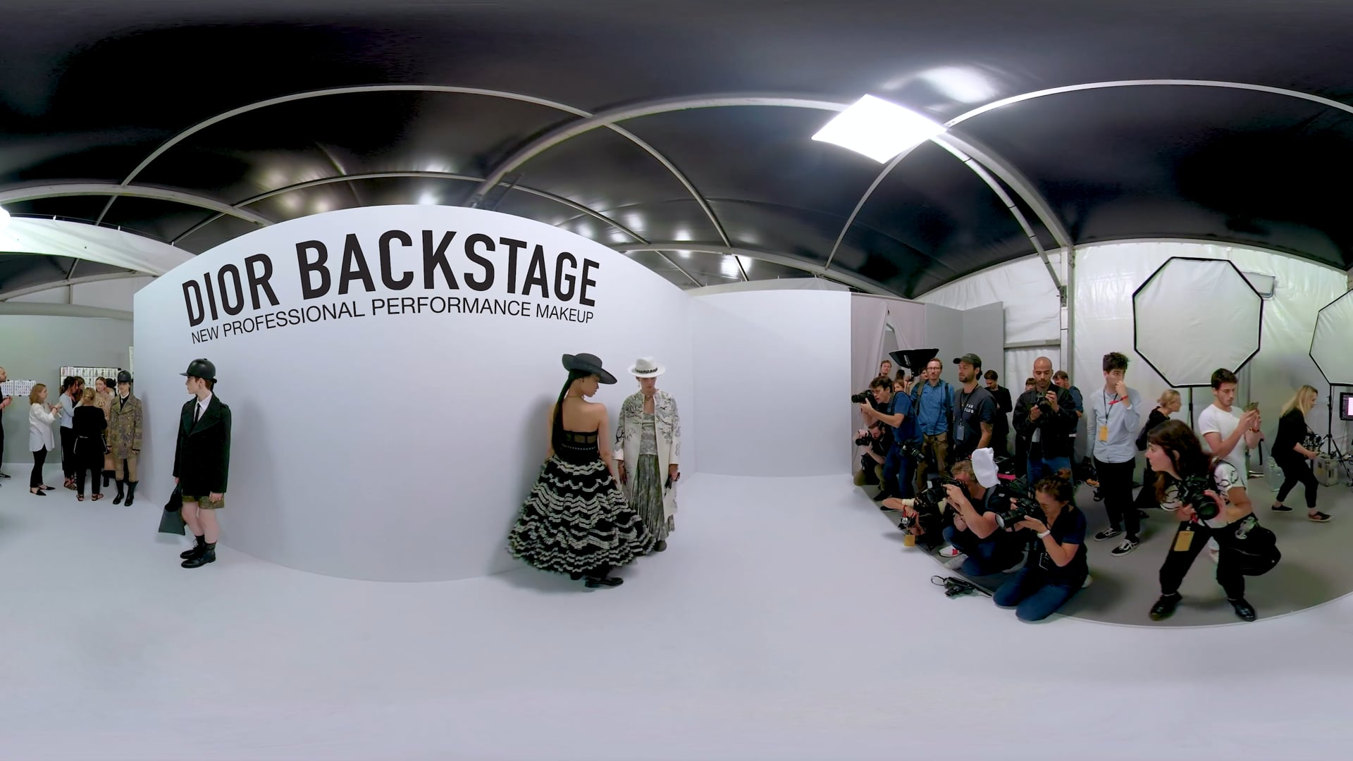 360 VR | Dior Backstage Cruise 2019 Show
