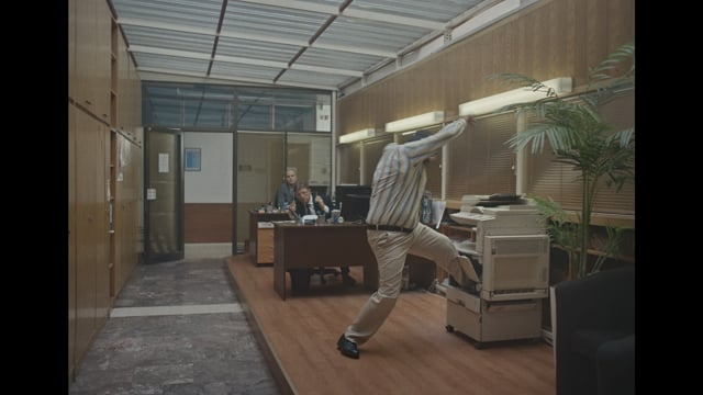Hilarious Commercial See's Everything Going Wrong