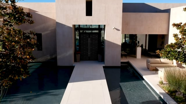 Sotheby's International Realty - Reside Moments - Pools with a view