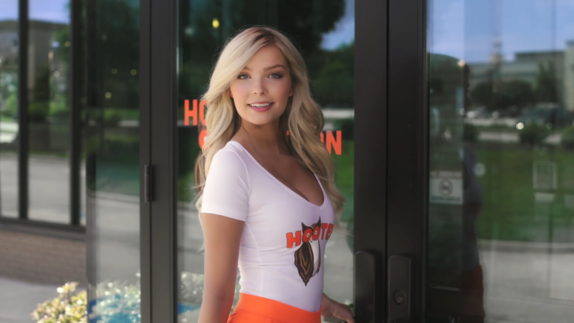 Hooters Baby Come Back Promo Clip