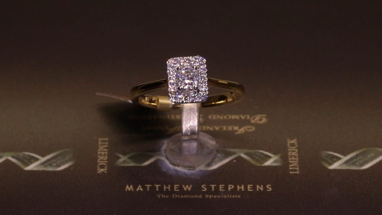 65137 - Radiant Halo Ring, T0.45ct, Set in 18ct Yellow Gold