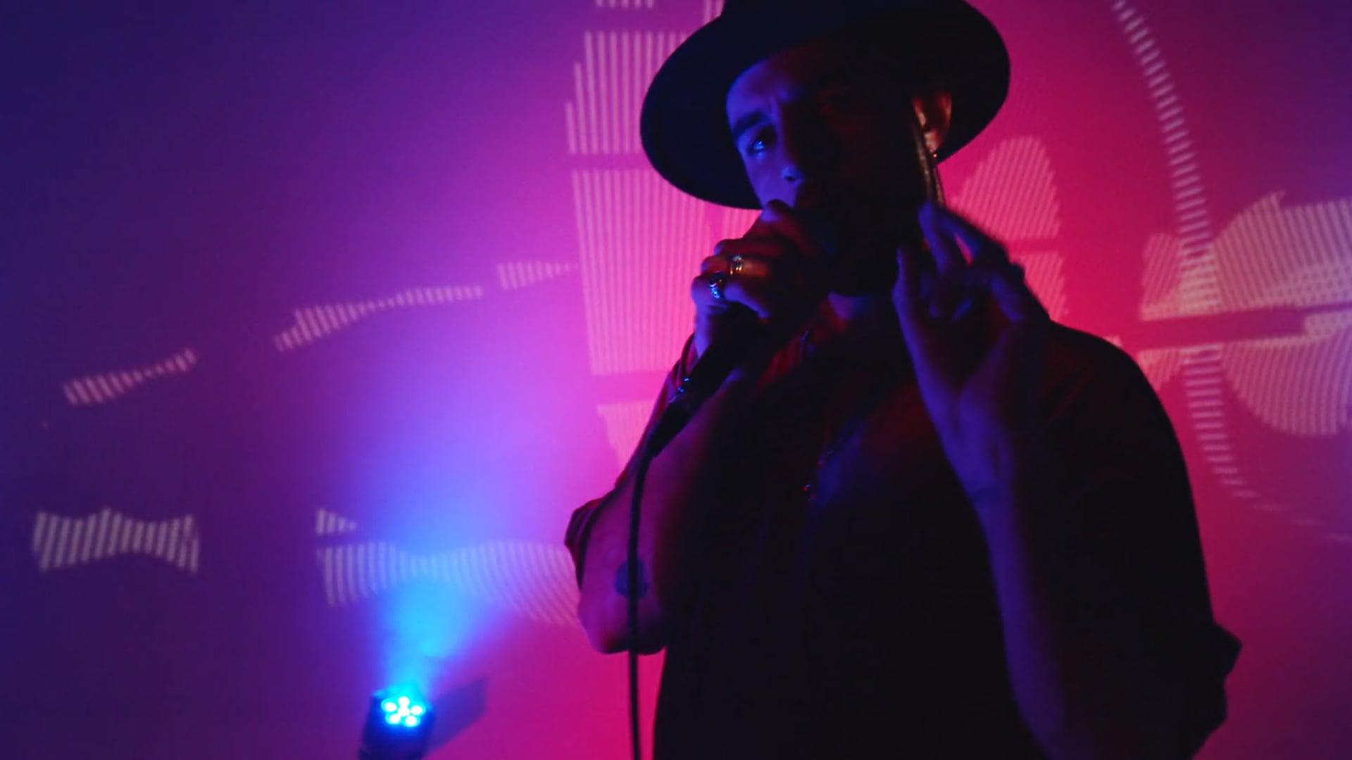 Nil Moliner  ¨LA BESTIA¨ Oficial Music Video