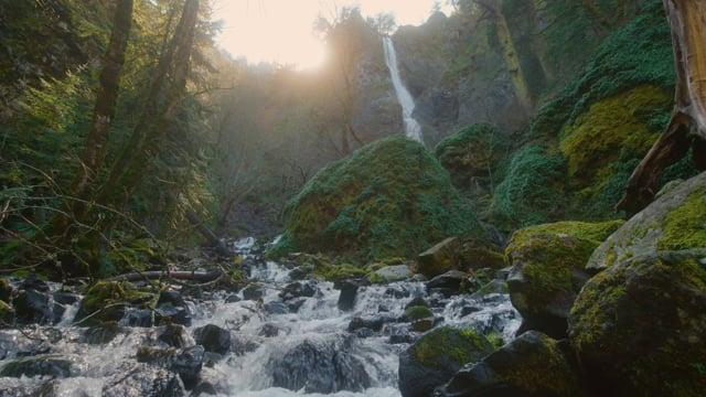 Starvation Creek Falls. Wintertime - Nature Relax Video
