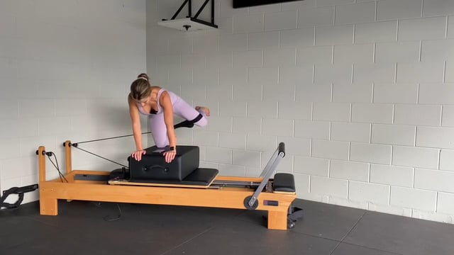 30min reformer lower body and abs using the box