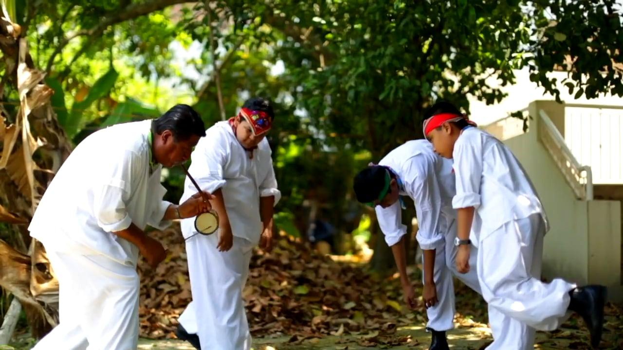 Los totonacas, el pueblo que enseña a volar a sus niños