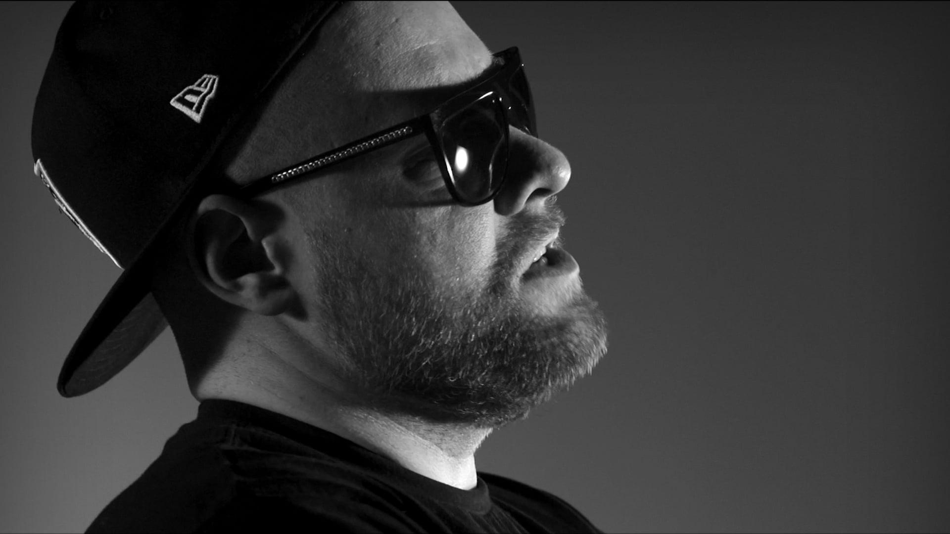 "Diox HIFI ft. Miuosh, Mosad, Małach, Vienio, PMM, Haju, Tede, Peerzet, Sir Michu ""Oni tego chcą (Remix)"""