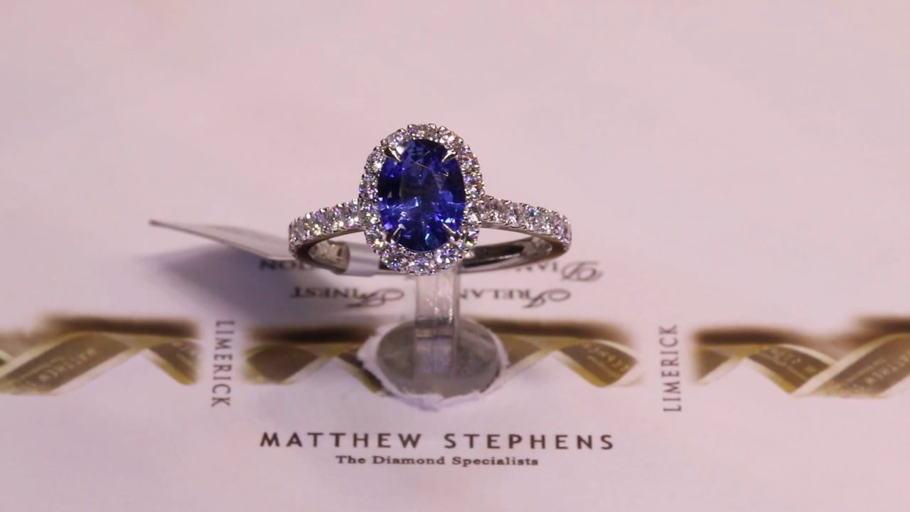 47907 - Oval Sapphire & Diamond Halo with DSS, S1.27ct & D0.65ct, Set in Platinum