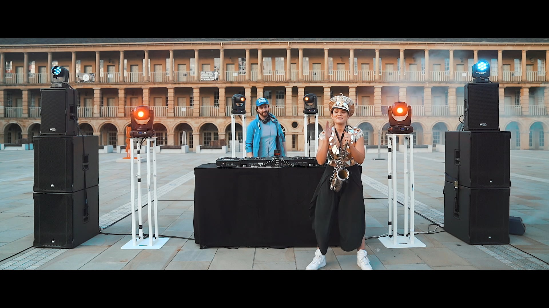 Ellie Sax at The Piece Hall