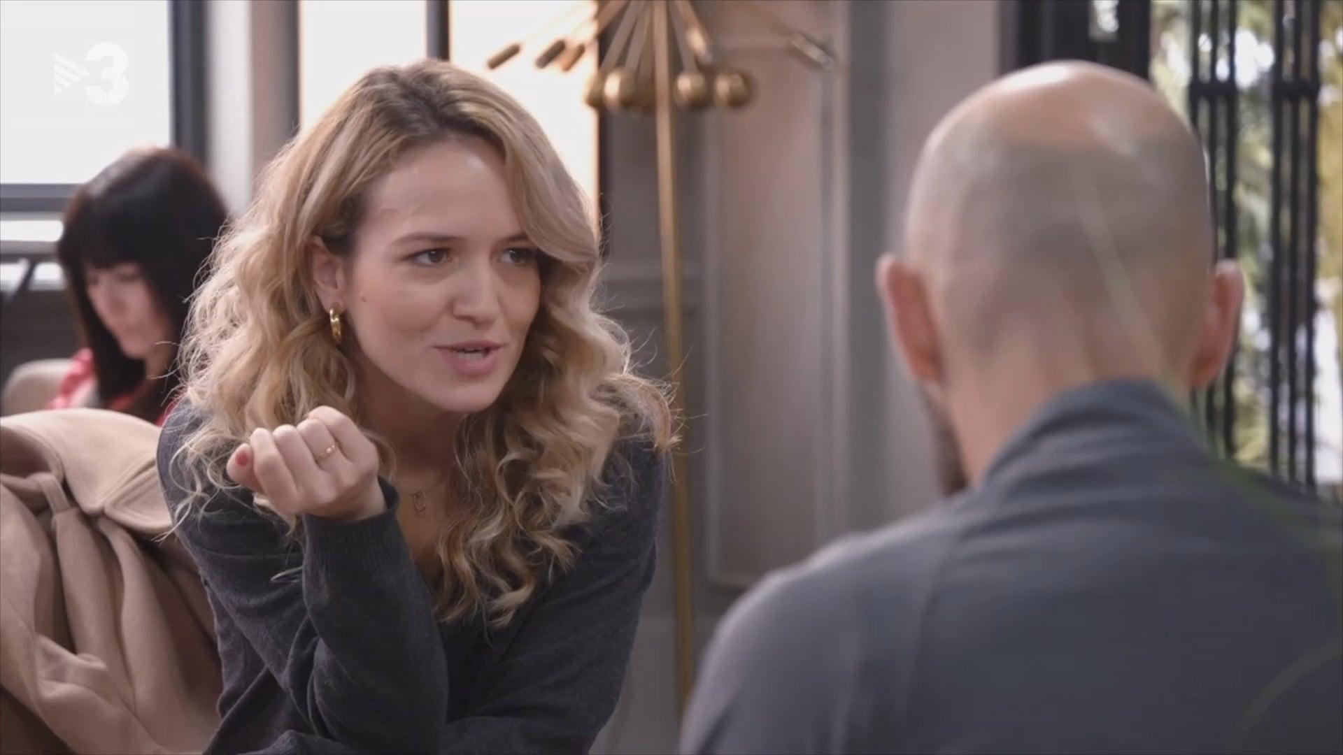 """Fragmento personaje Aina, serie """"Com si fos ahir"""" TV3. 2020"""