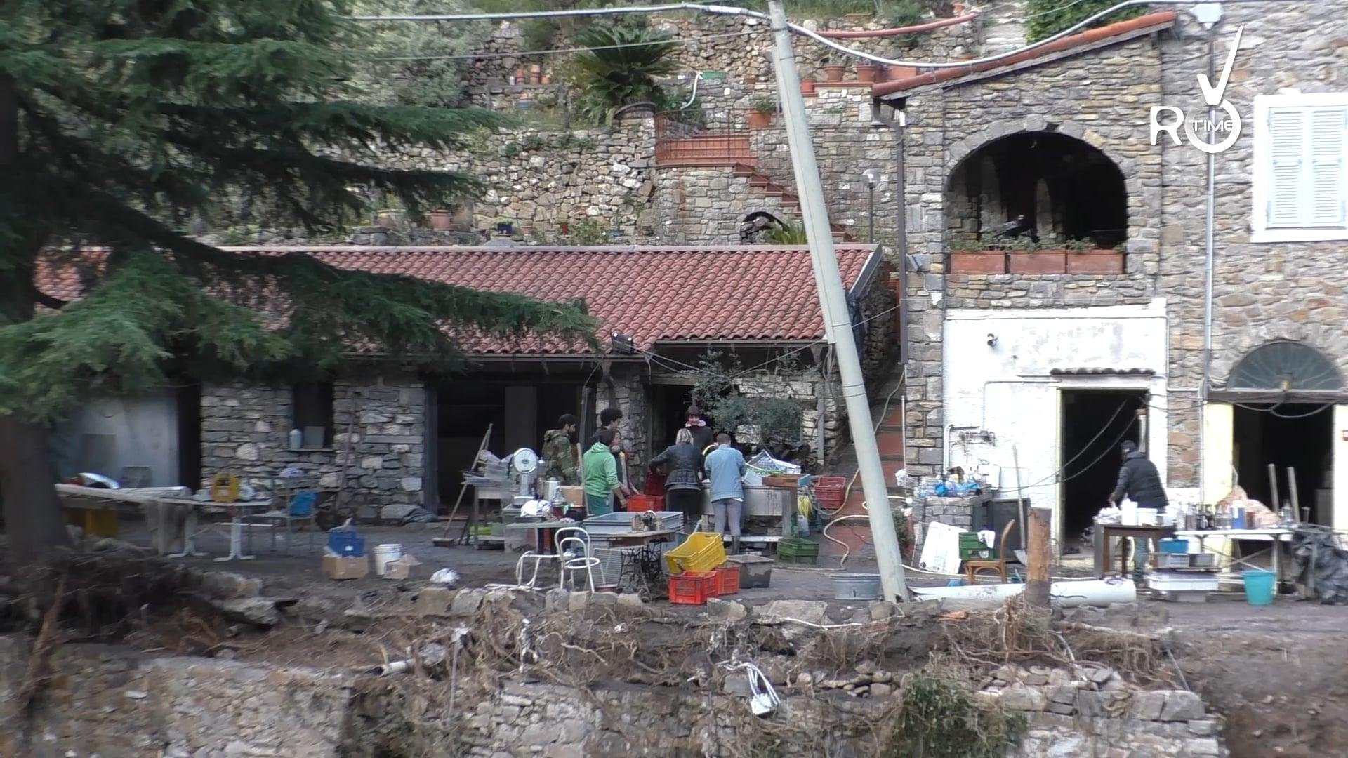 """La forza di una comunità unita rialza Badalucco dal fango: """"Un paese con un'anima grande"""""""