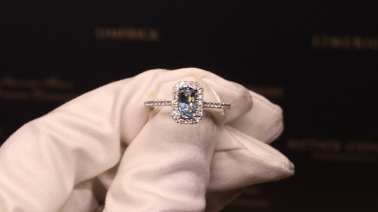 67447 - Cushion Aquamarine with Diamond Halo & Shoulders, AQ0.60ct & D0.23ct, Set in 18ct White Gold