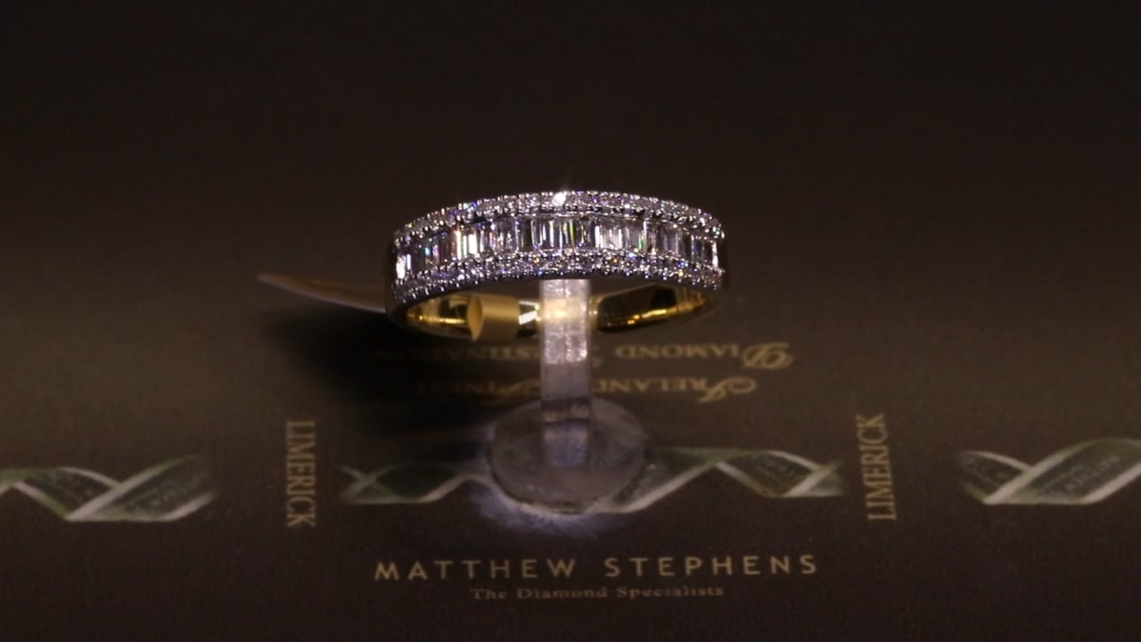 74189 - Round Brilliant & Baguette Diamond Ring, T0.52ct, Set in 18ct Yellow Gold