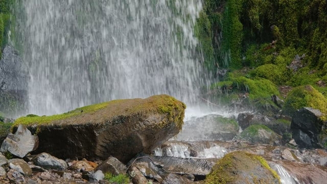 The Gentle Music of Falling Water. Oregon Waterfalls - Nature Relax Video