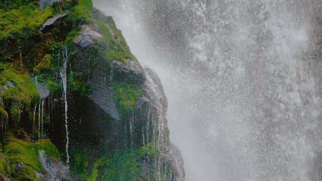 The Beauty of Oregon Waterfalls in HD/Slow Motion