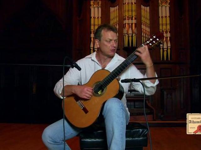 """Philippe Bertaud performing """"La Manguera"""""""