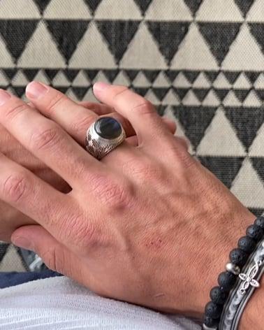 Video: Gealterter Effekt 925 Sterlingsilber Labradorite Biker Ringe