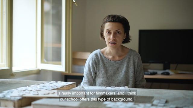 Není snad nikdo, kdo by v posledních měsících neslyšel o nadějné mladé filmařce a studentce FAMU Darii Kashcheeva. Daria AMU přeje, aby i nadále poskytovala mladým tvůrcům zázemí a potřebnou podporu v jejich tvorbě, které se dostalo jí a díky níž dosáhla dosavadních úspěchů.