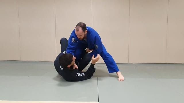 Défense de knee slide à partir de la sit-up