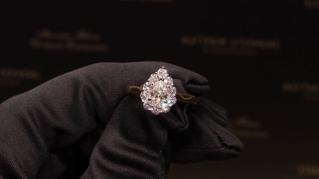 74599 - Pear Halo, T0.95ct, Set in 18ct Yellow Gold
