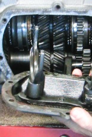Watch Saginaw 4-Speed Transmission Overhaul - V1WS Online | Vimeo On Demand